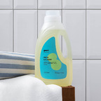 Naturally sanitising laundry detergent